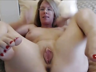 Beautiful Busty Mature MILF with Moving Vagina